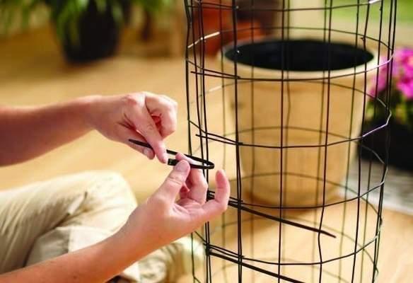 Как сделать вертикальную клумбу своими руками