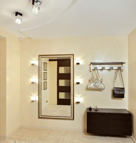 Как осветлить и оживить комнату