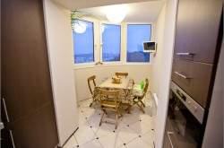 Интерьер кухня совмещенной с балконом