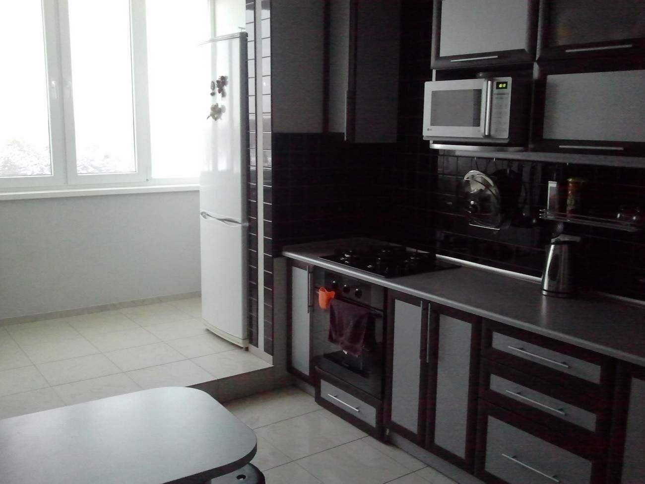 Кухня 14 кв м дизайн с балконом..