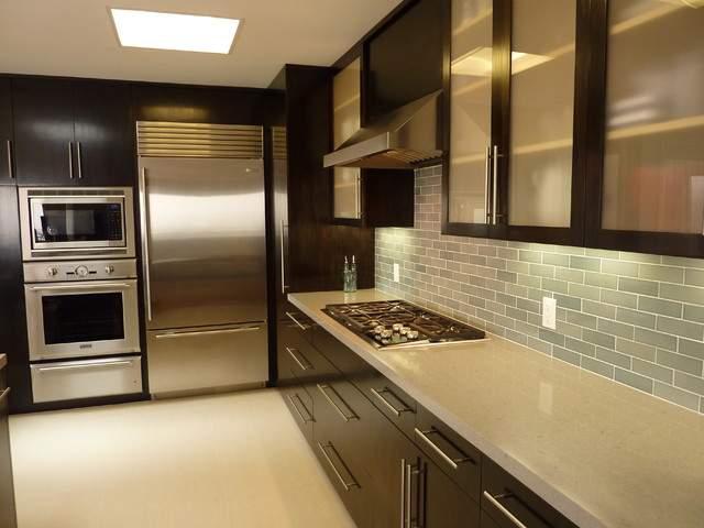 Дизайн кухни бежевая с венге