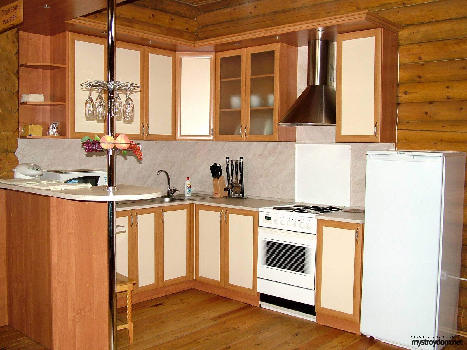 Дизайн маленькой кухни с барной стойкой фото