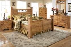 Деревянный интерьер комнаты