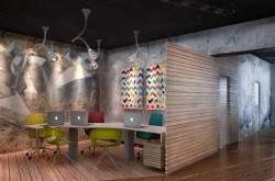Деревянный интерьер офиса