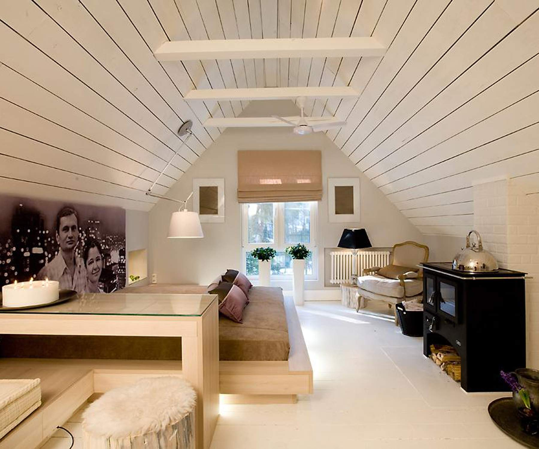 Интерьер комнаты на даче