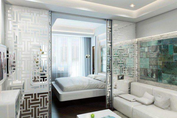 стеклянная перегородка между спальней и гостиной - с рисунком